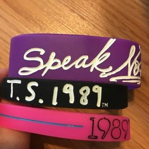 Taylor Swift tour bracelets